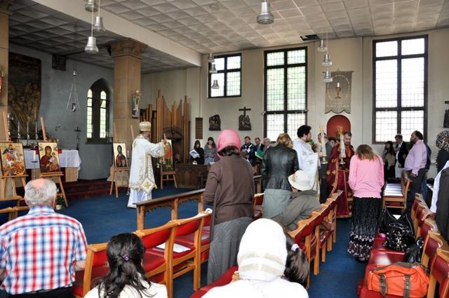 """2010 05 30 hramul Parohiei Ortodoxe Române a""""Tuturor Sfinţilor şi a Sf. Arhidiacon Ştefan"""" din Cardiff (Marea Britanie)"""