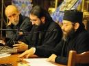 De droite à gauche: Père Job Getcha (conférence), Mgr Joseph, Père Marc-Antoine Costa de Beauregard