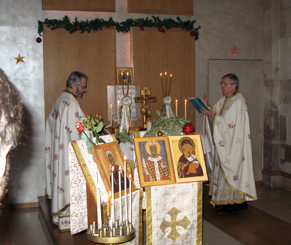 """2011 01 02 Hramul Parohiei """"Sfânta Genoveva şi Sfântul Martin"""" (Paris, Franţa) / Fête de la Paroisse Sainte Geneviève et Saint Martin (Paris, France)"""