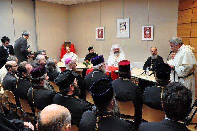 2009 07 09 Visite pastorale du Patriarche Daniel: Présentation du livre