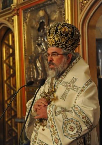 """Catedrala """"Sfinții Arhangheli Mihail, Gavriil și Rafail"""" din Paris și-a sărbătorit ocrotitorii"""